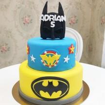 Gâteau Batman et Wonderwoman