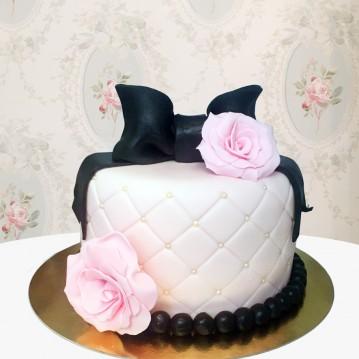 Gâteau Rose et Noeud