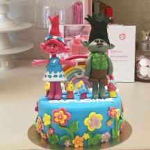 Gâteau Trolls Poppy et Branche