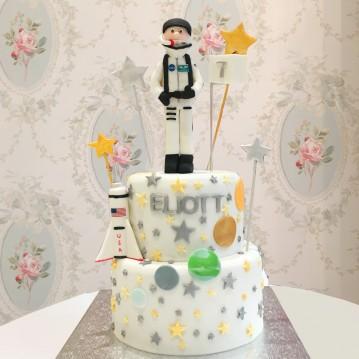 Gâteau Astronaute et étoiles