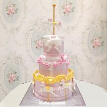 Gâteau Manège et Roses fille