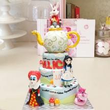 Gâteau Alice au Pays des Merveilles - Alice et Reine de Coeur