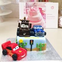 Gâteau Cars, Martin, Flash Mc Queen et Doc Hudson
