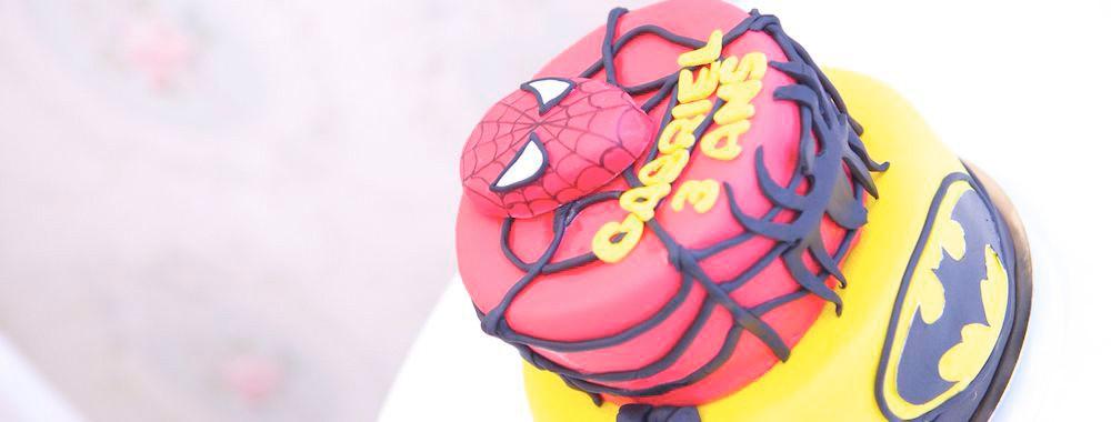 Gâteau Pièce montée Spiderman & Batman